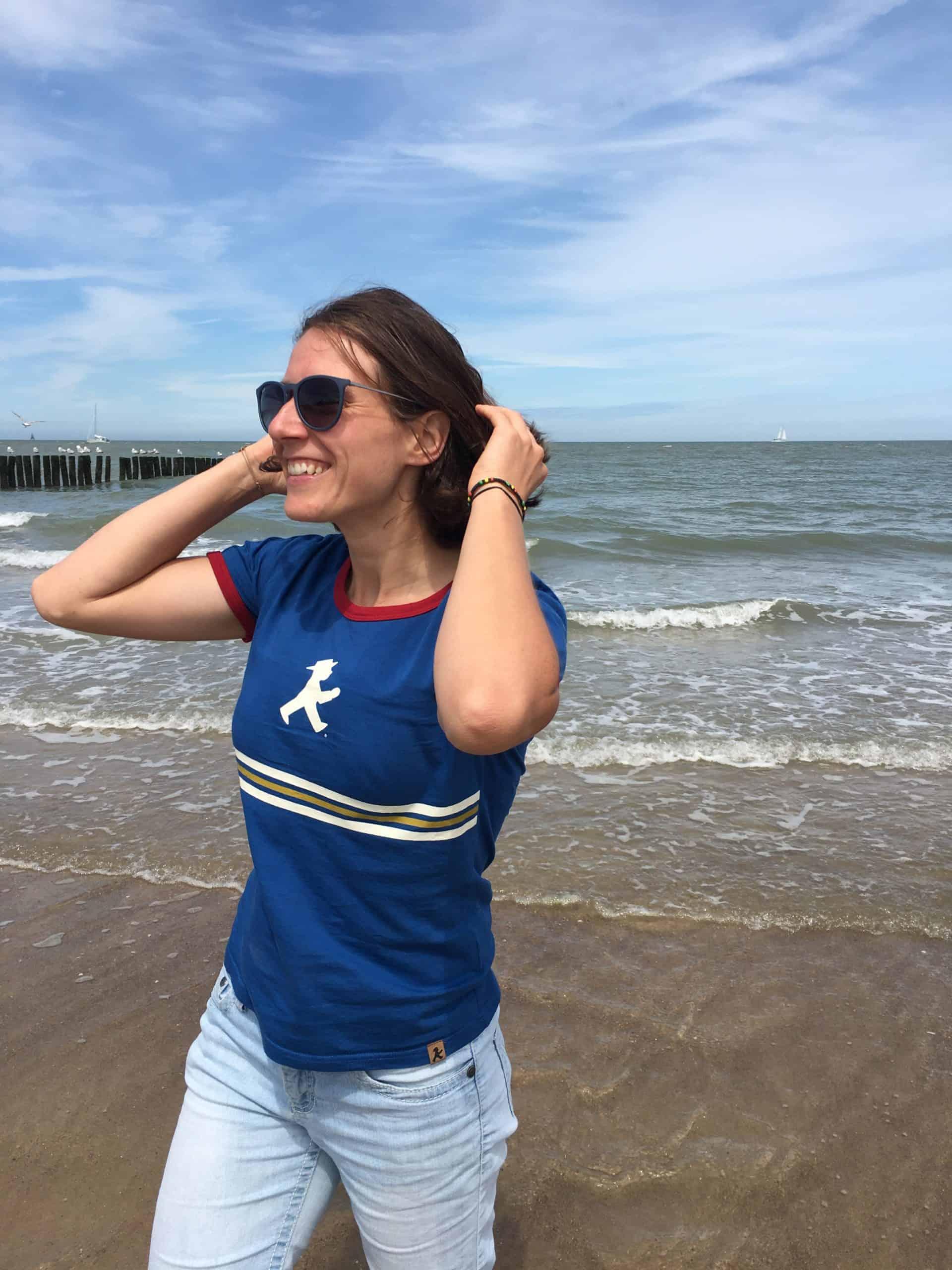 Maria am Strand