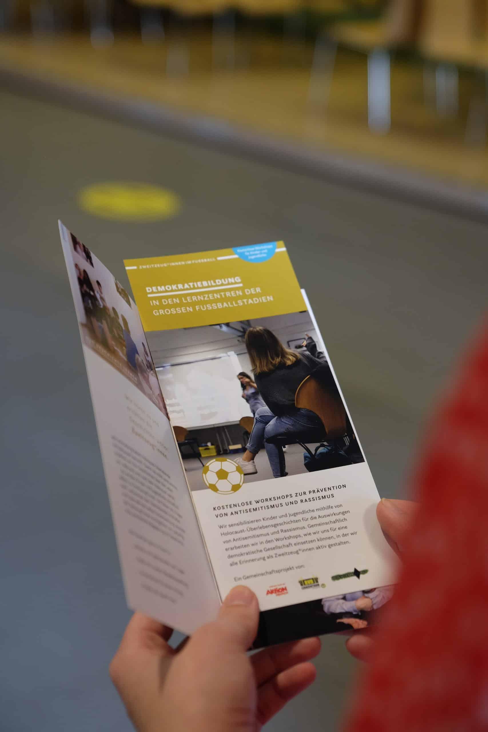 Broschüre Zweitzeug*innen Workshop